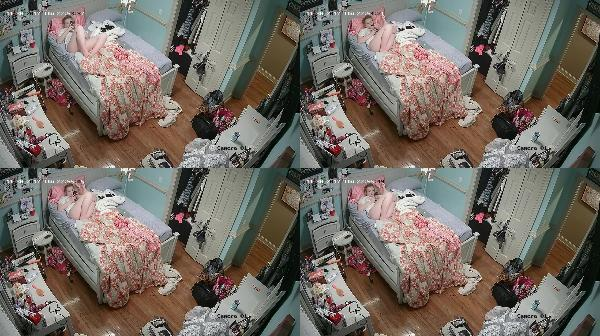 164998944 0767 spy nice blonde girl with iphone on the bed - Nice Blonde Girl With Iphone On The Bed / SpyCam Sex Video