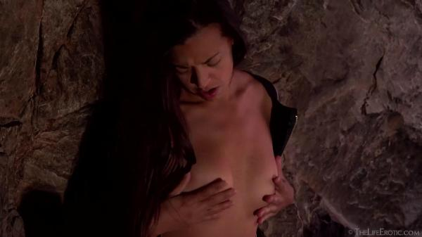 The Life Erotic – Natalia – Light in the Tunnel 2